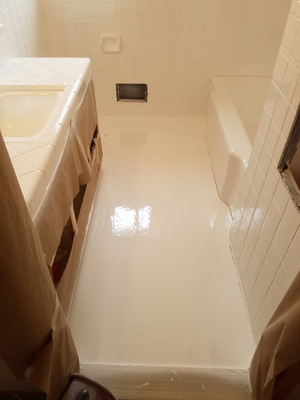 Bathroom Floor In Liquid Porcelain