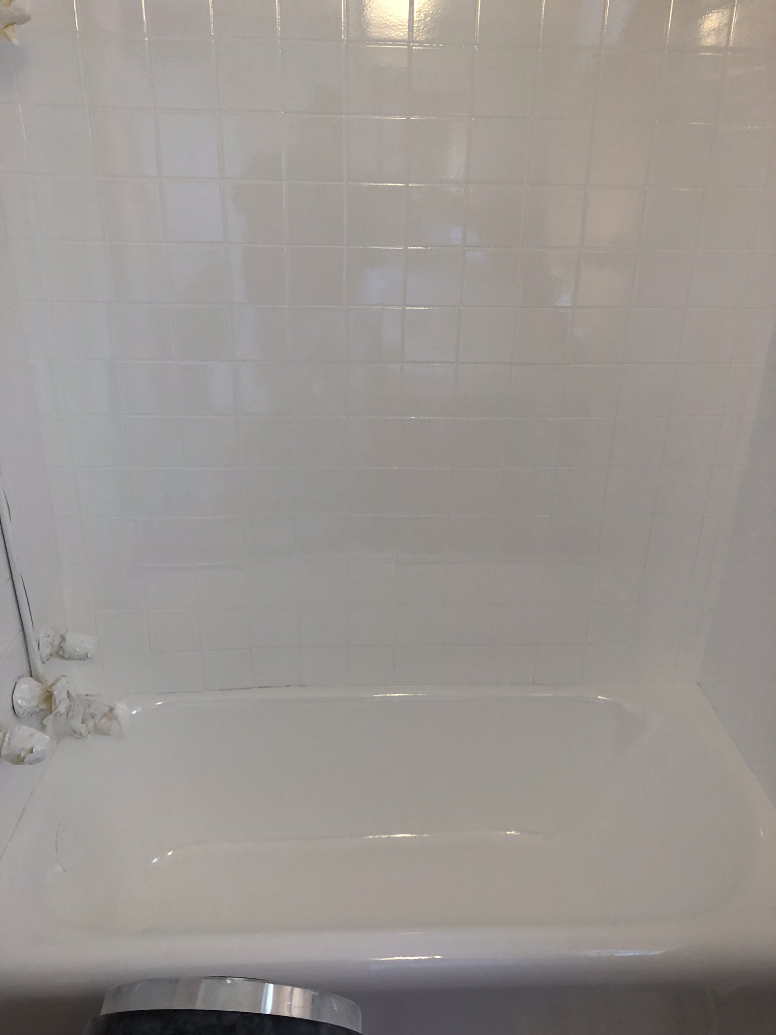 Step 3 High Gloss Mirror Finish for The Tub + Tile