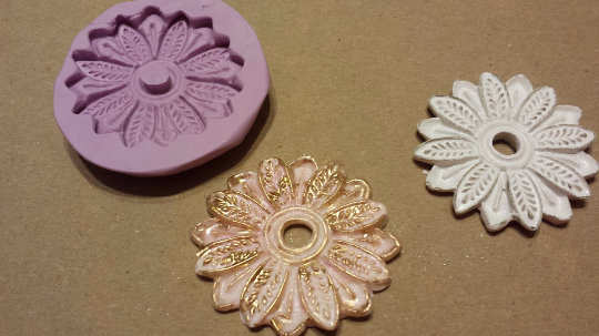 Daisy Medallion Mold