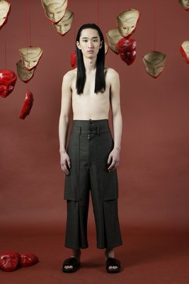 PLEATED 3/4 TROUSERS IN PINSTRIPE