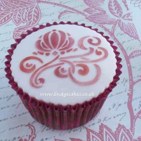 Art Nouveau stencil design by Lindy Smith on a cupcake