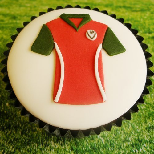 Football shirt cupcake decoration made using Lindy's sugarcraft T-shirt cutter