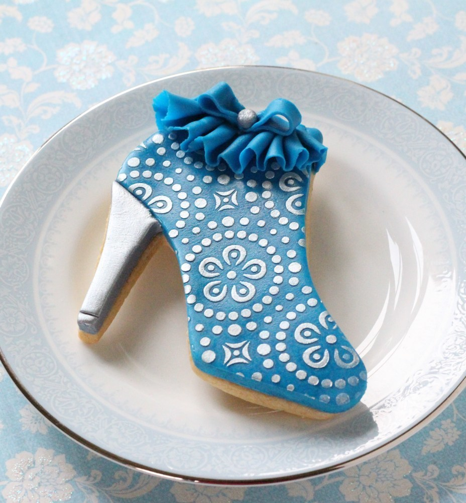 Blue ruffle decorated ankle boot cookie