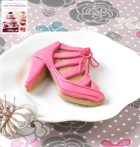 Pink sandal decorated cookie  from Lindy's Contemporary cake decorating bible book