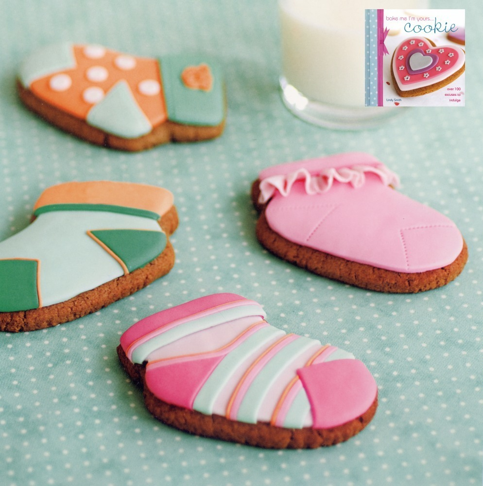 Baby shower scok cookies seeLindy Smith's 'bake me I'm yours...cookie'book for instructions