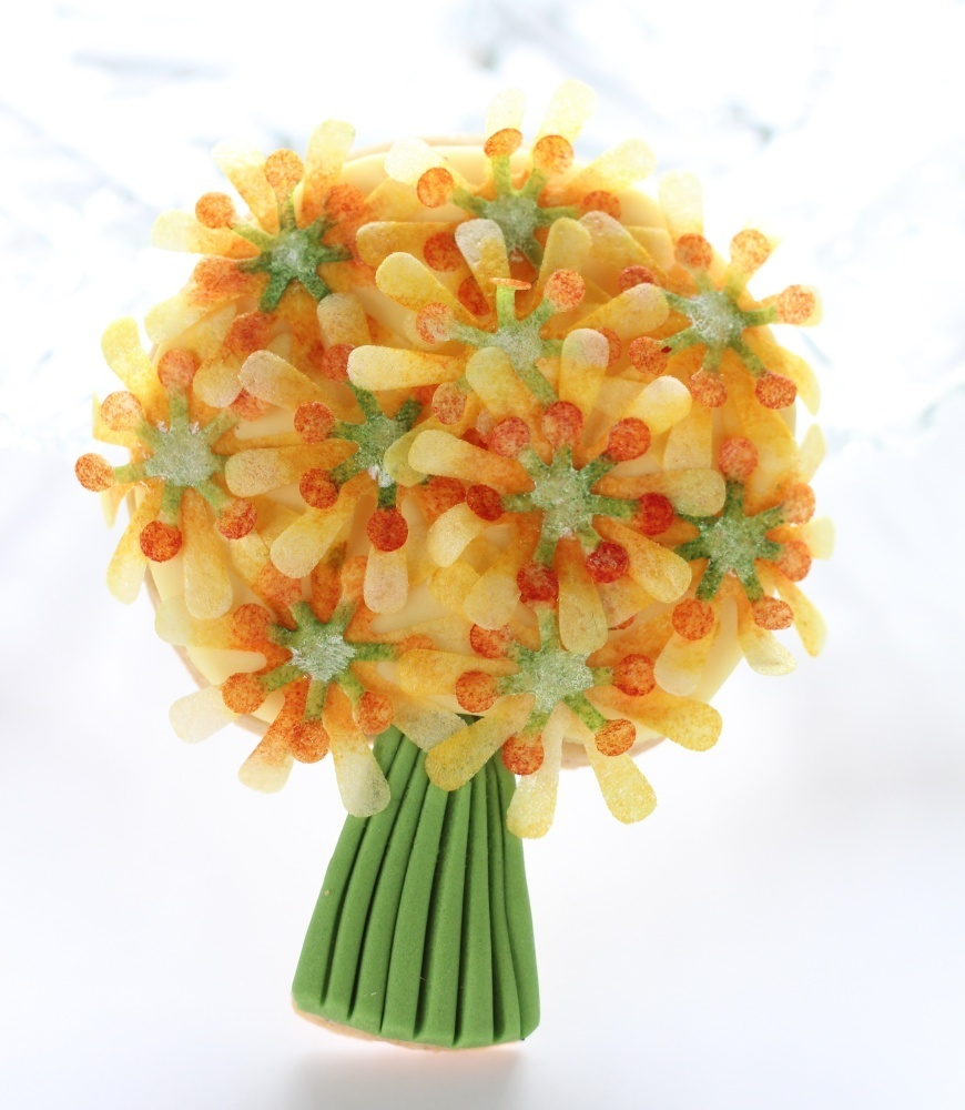 Yellow flower posy - a decorated biscuit