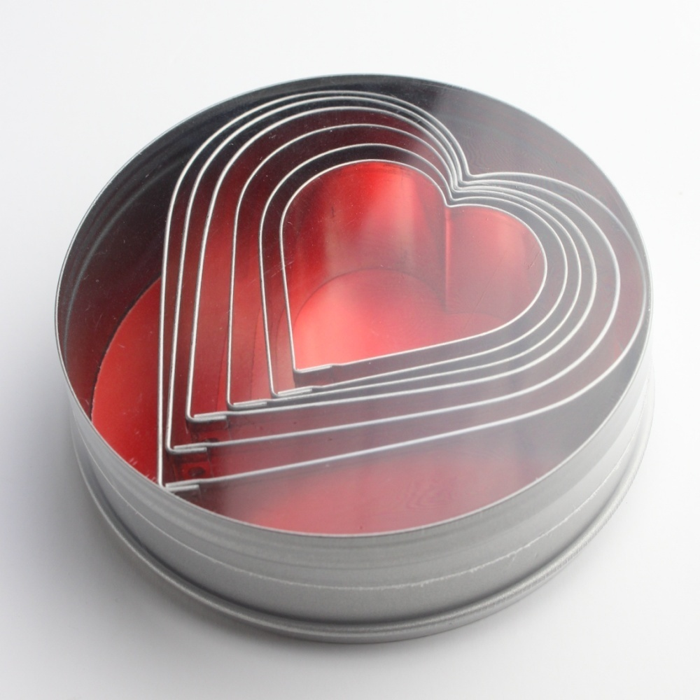 Heart Cutters - Large (set of 6 in a tin) SKU17793