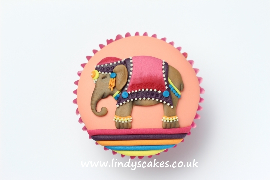 Small cupcake sized elephant created using Lindy's small elephant cutter