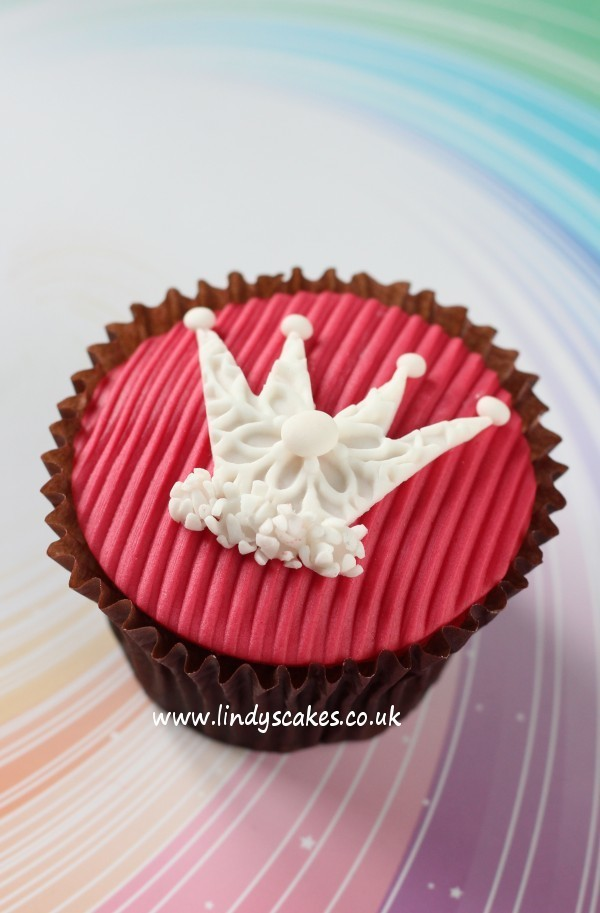 white textured crown cut out using Lindy's small sugarcraft crown cutter