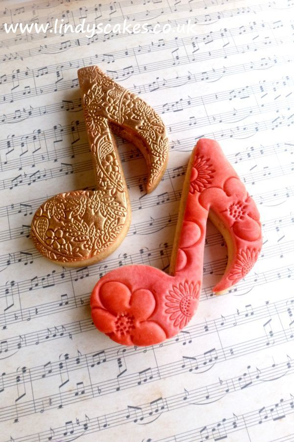Quaver musical note cookies, baked and decorated using Lindy's stainless steel biscuit note cutter