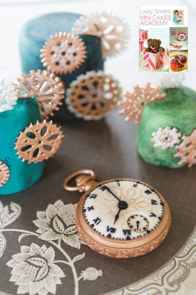 Gem pendant stencil used to create the central face design on this adorable vintage pocket watch mini cake