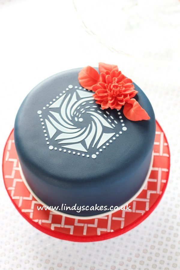 Lindy's hexagonal stencil used as a cake top