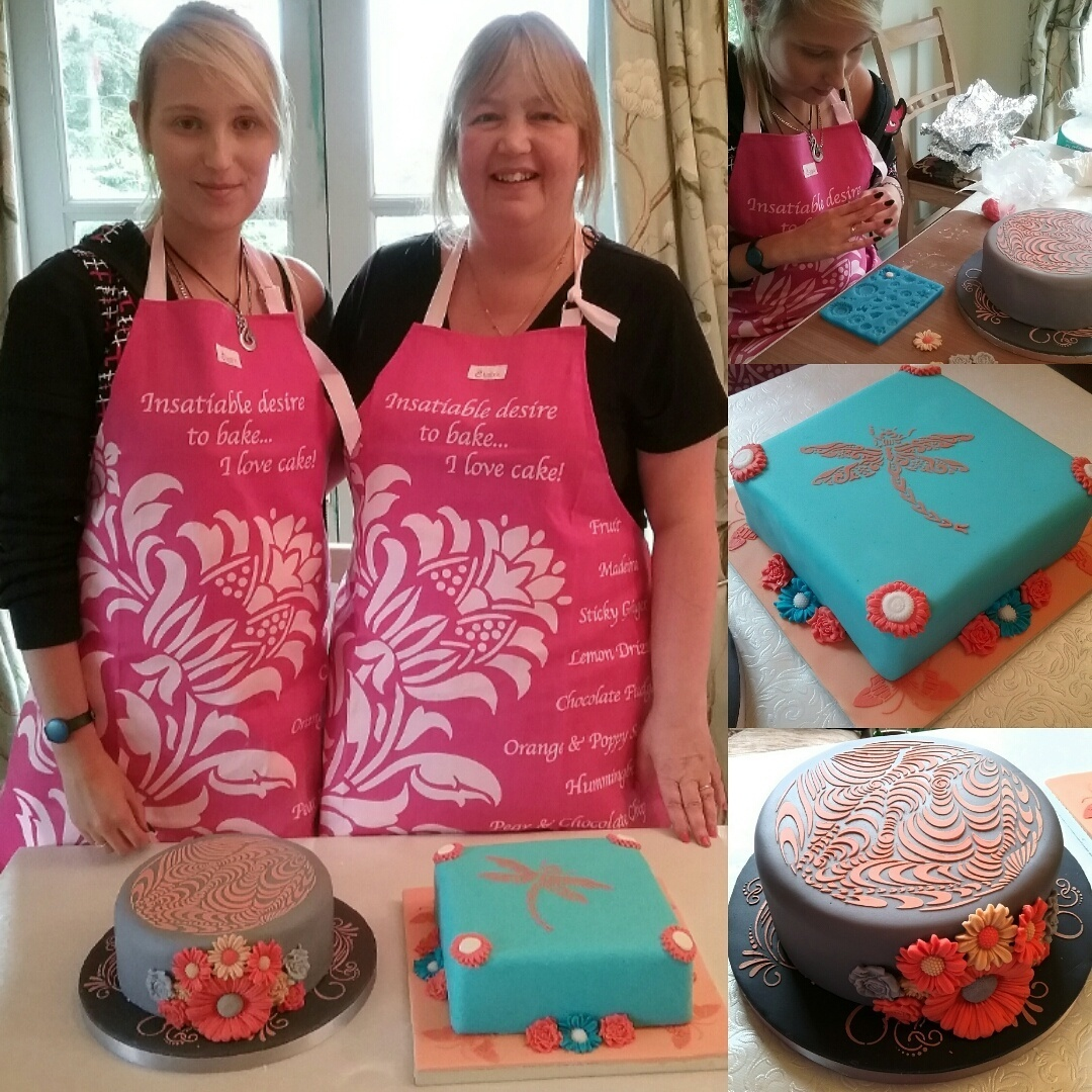 mother and daughter 1-2-2 cake covering and decorating class with Lindy Smith