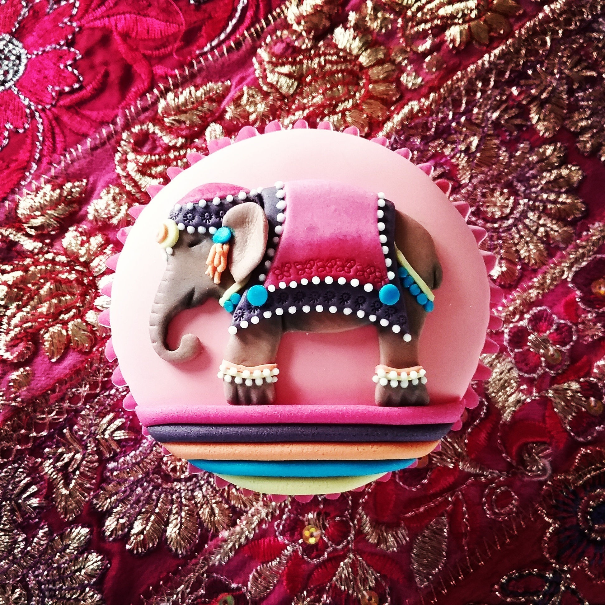 Asian elephant cupcake - embossing and cutter skills