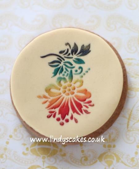 Elegant Flower Cupcake Top Stencils - Lindy's (LC112)