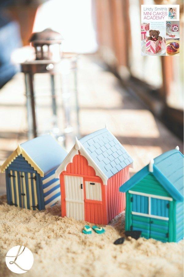 'Lindy Smith's Mini Cakes Academy' Book
