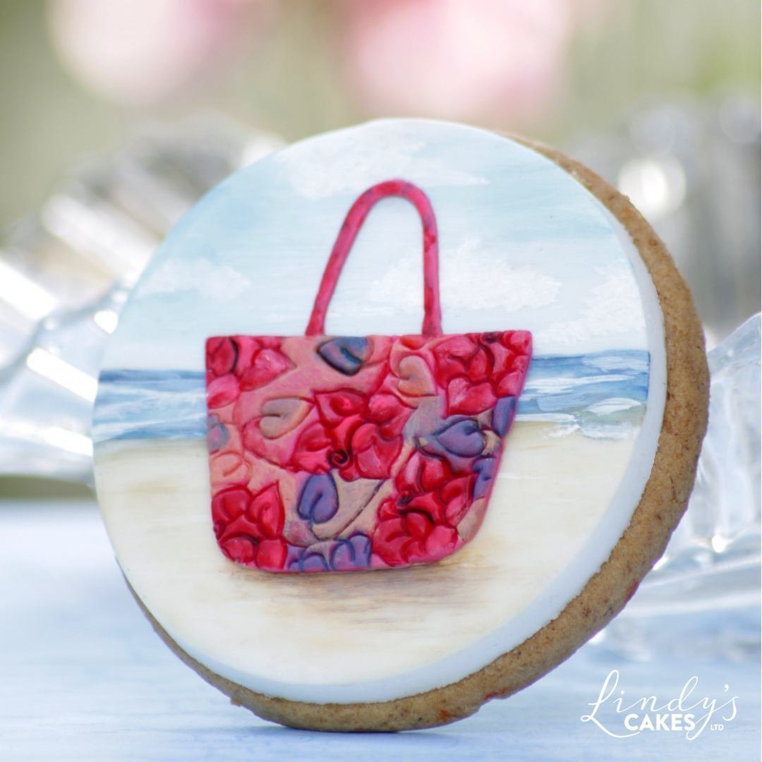 Beach bag on a cookie - use the handbag cutter upsidedown!