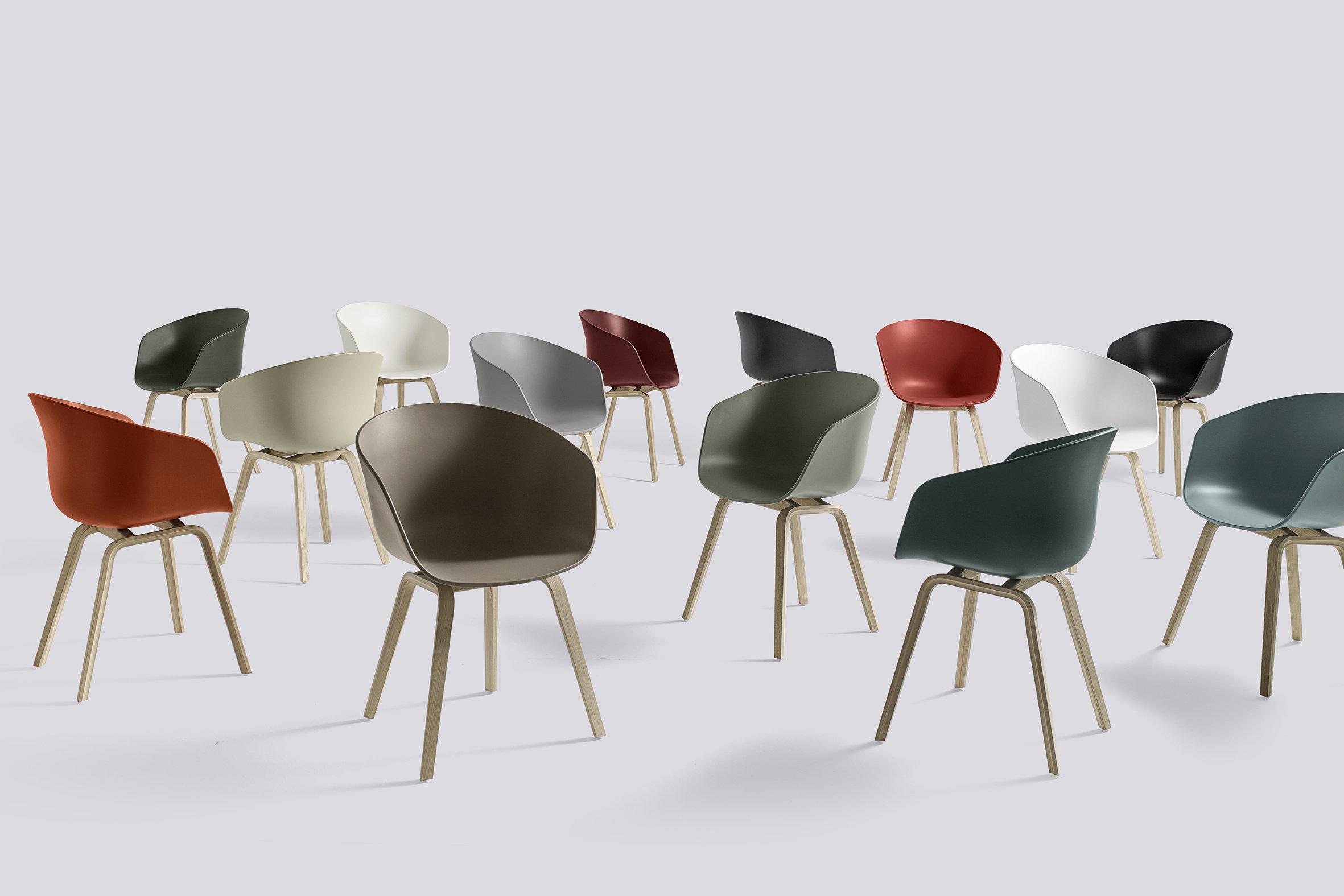 Designklassiker Schalenstuhl in vielen Farbvariationen 40118