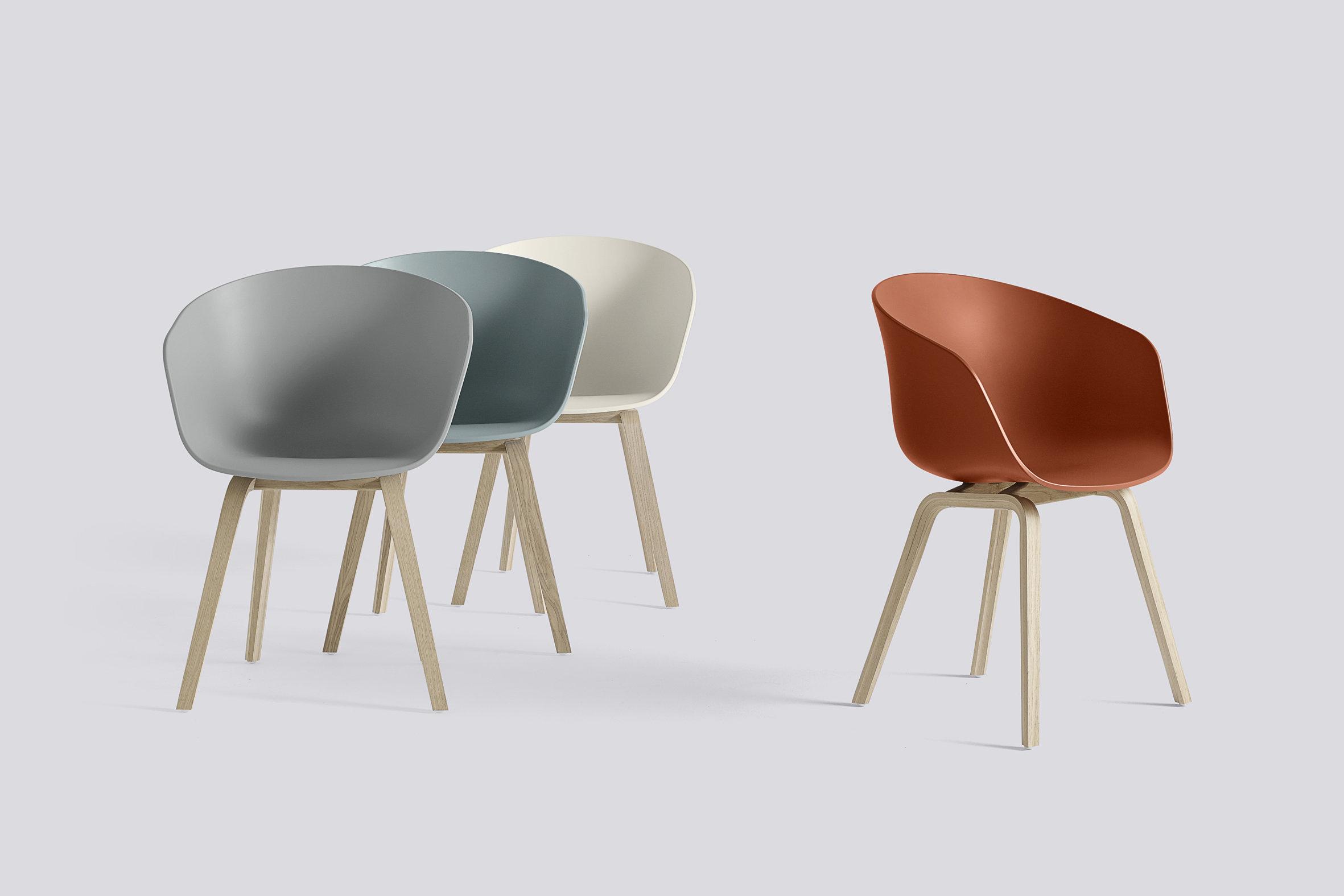 Designklassiker Schalenstuhl in vielen Farbvariationen