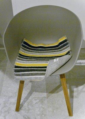 Norwegische Lammwoll Sitzauflage Røros Tweed Konfetti 45x45cm