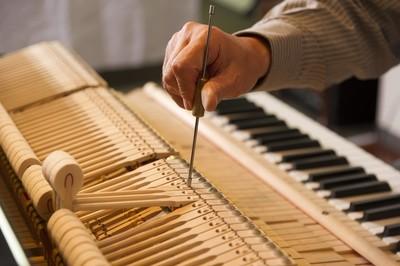 Klavier Schimmel, Modell 112, nussbaum satiniert