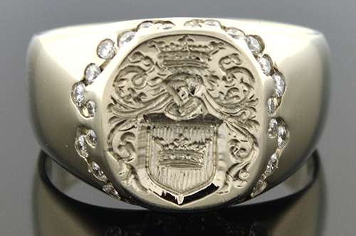 Item # 4546 Hand Carved Ladies Family Crest Ring 4546