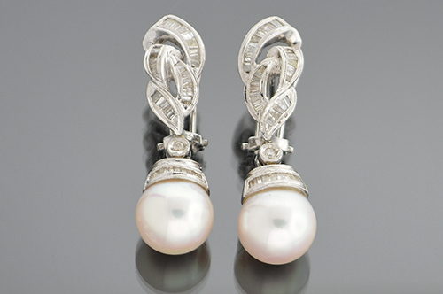 Item #4278 Dangle Diamond and Pearl Earrings 4278