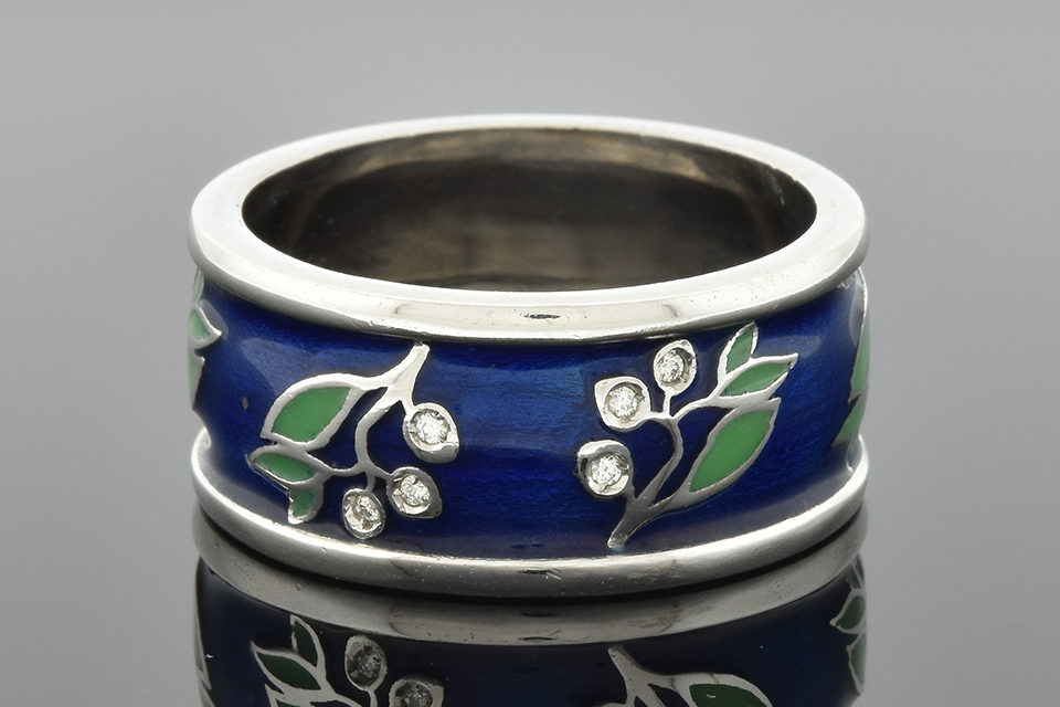 Enamel and Diamond Floral Design Band