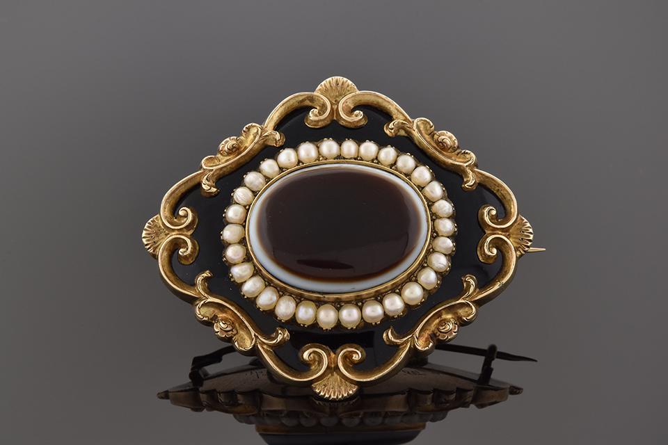 Item # 4577 Agate and Black Enamel Mourning Pin/Pendant 4577
