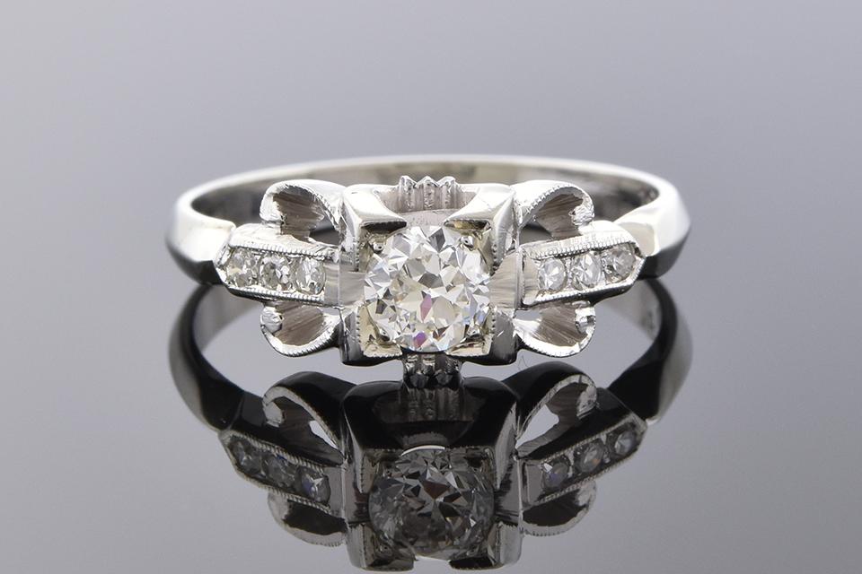 Item #2577 Vintage Detailed Diamond Ring 2577