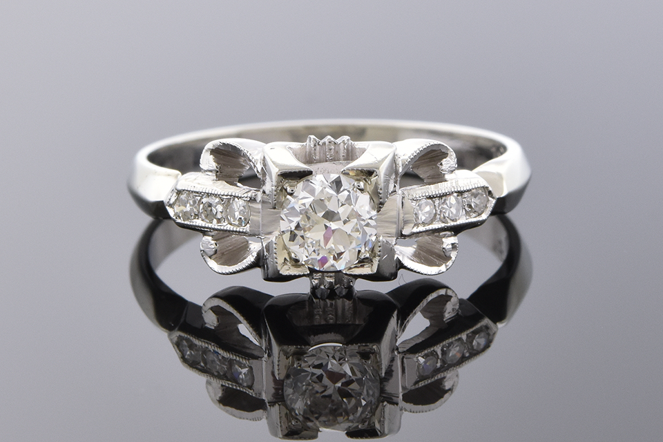 Vintage Detailed Diamond Ring