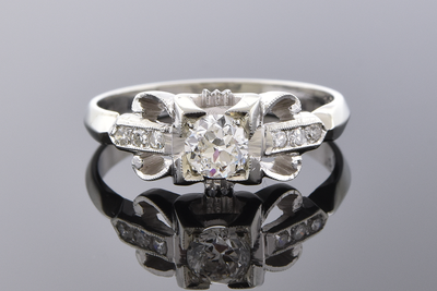 Vintage Detailed Diamond Ring