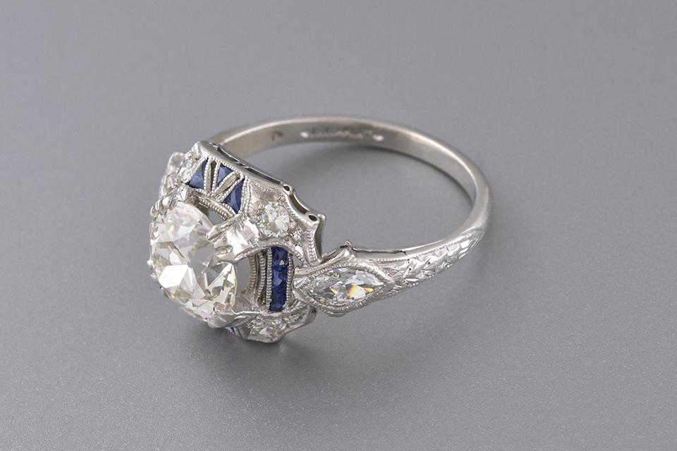 Unique Sapphire Detailed Art Deco Diamond Ring