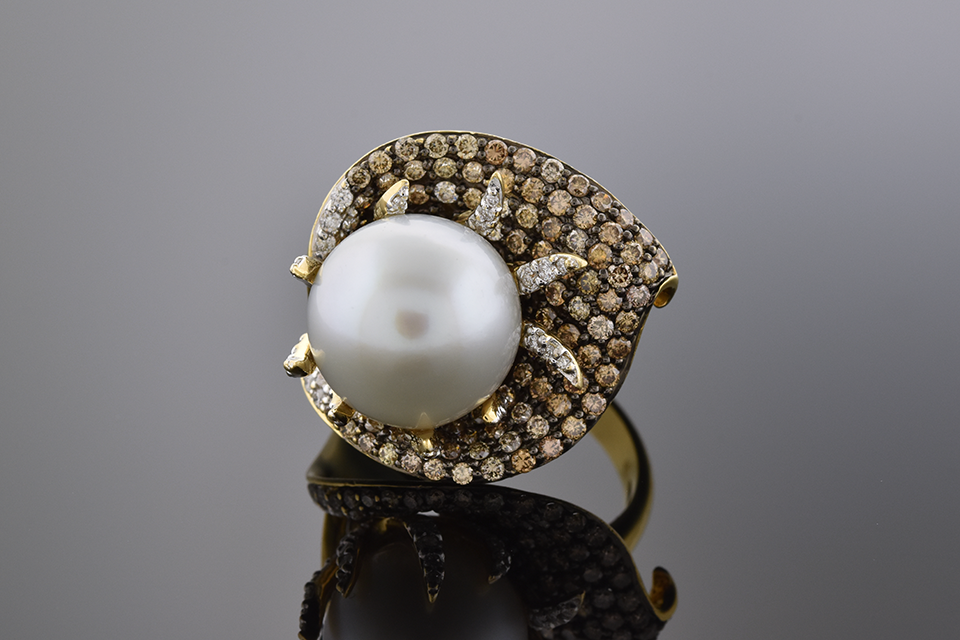 Item #4236 Floral Pearl And Diamond Ring 4236