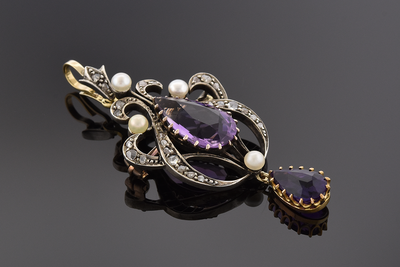 Early Victorian Amethyst Pendant/Brooch
