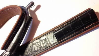 Croco noir mat + marron alezan