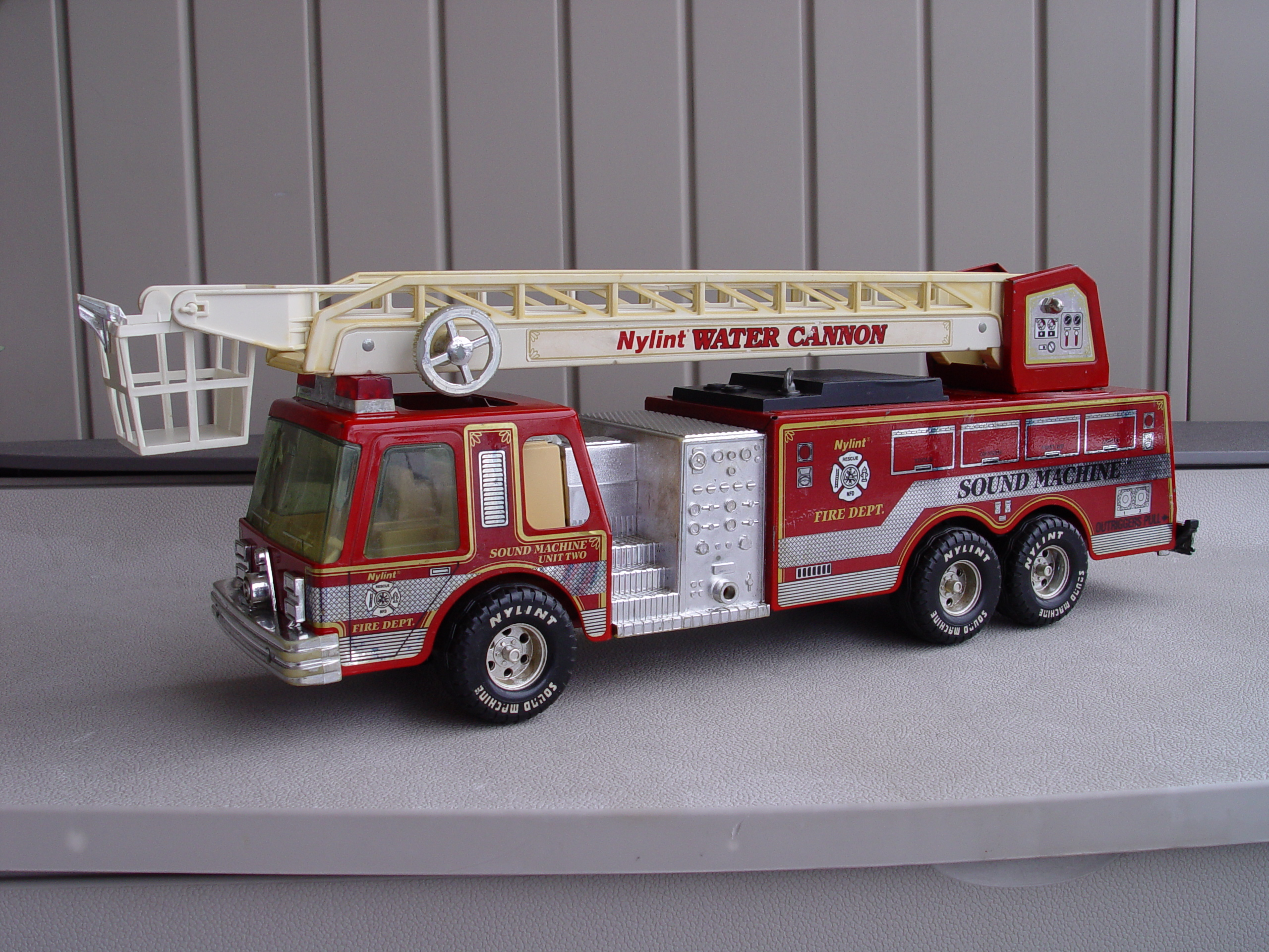 Nylint Vintage Water Cannon Fire Truck 1989