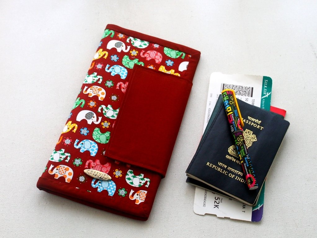 Colorful Ellie Family Passport Holder for 6