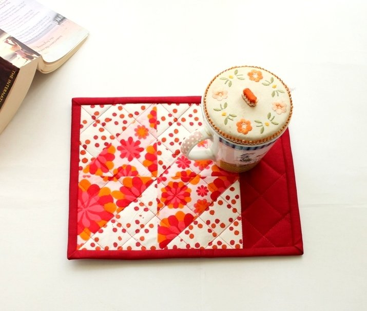 Red floral Quilted Patchwork Mug Rug - handmade mini placemats