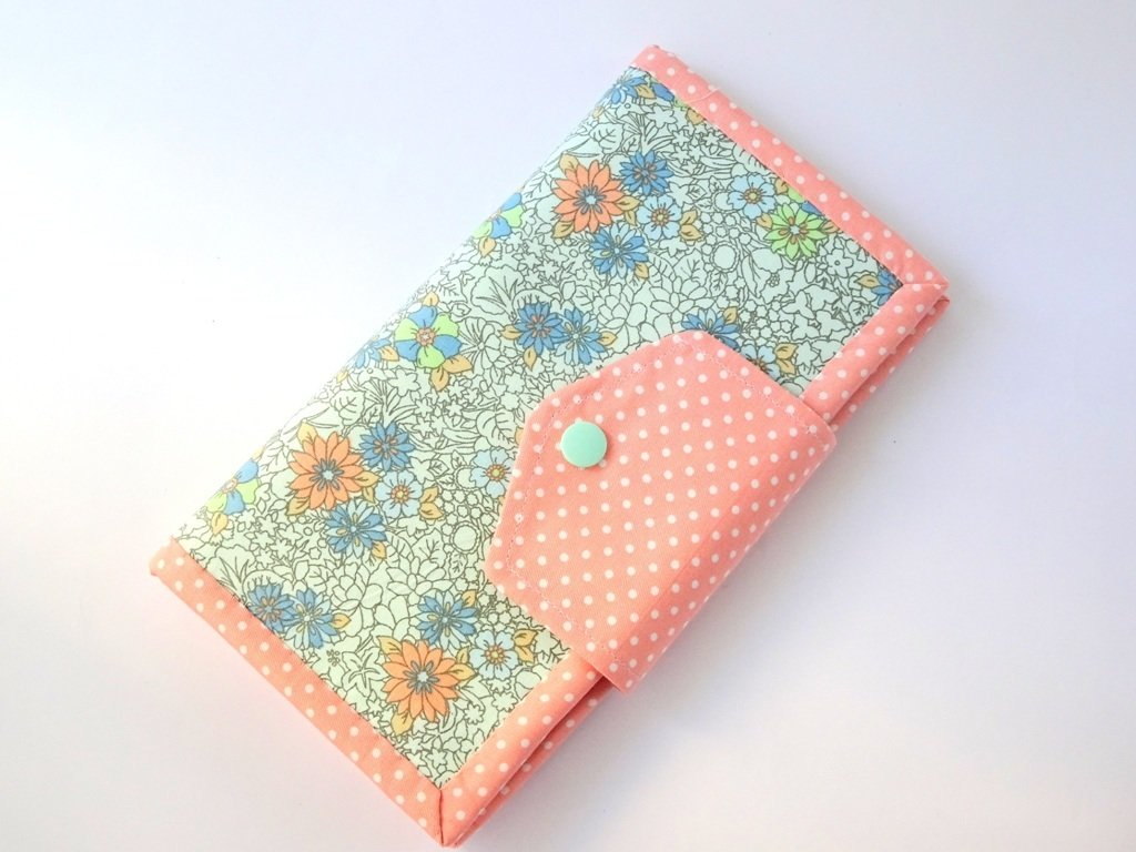 Handmade women's bifold wallet - Peach Flower
