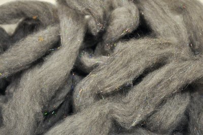 Breezy Hill Roving, bulk - Natural Gray