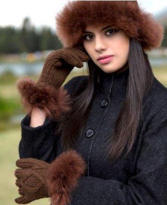Alpaca Fur-Trimmed Gloves - charcoal/black