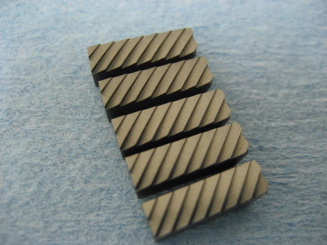 "Serrated blades 1/2"" long, set of 5 blades"