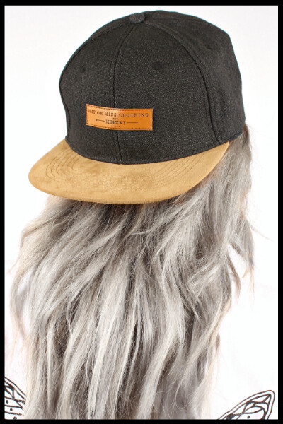 Leather Patch 6 Panel Snapback - Grey | Suede