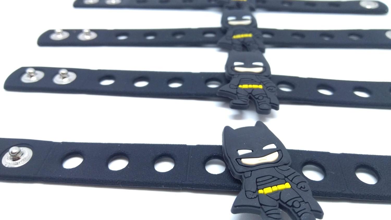 10 Braccialetti personalizzati Batman in 3D gomma silicone pvc morbido gadgets fine festa a tema compleanno bambini