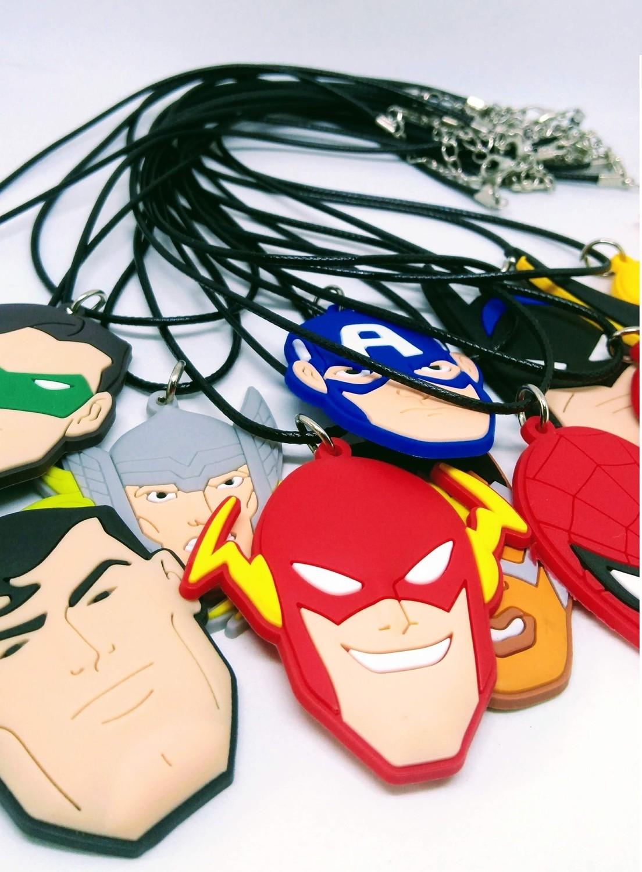 10 Collane Avengers pendente in PVC