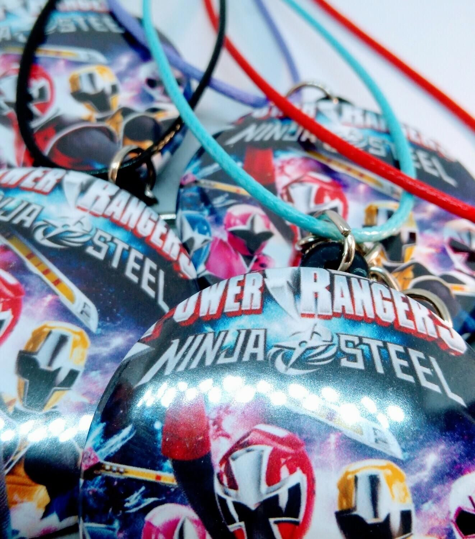 10 Collane Power Rangers pendente rotondo 4cm in plastica Gadget a tema