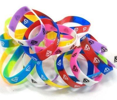 (scegli il Tema)10 braccialetti in silicone personalizzati