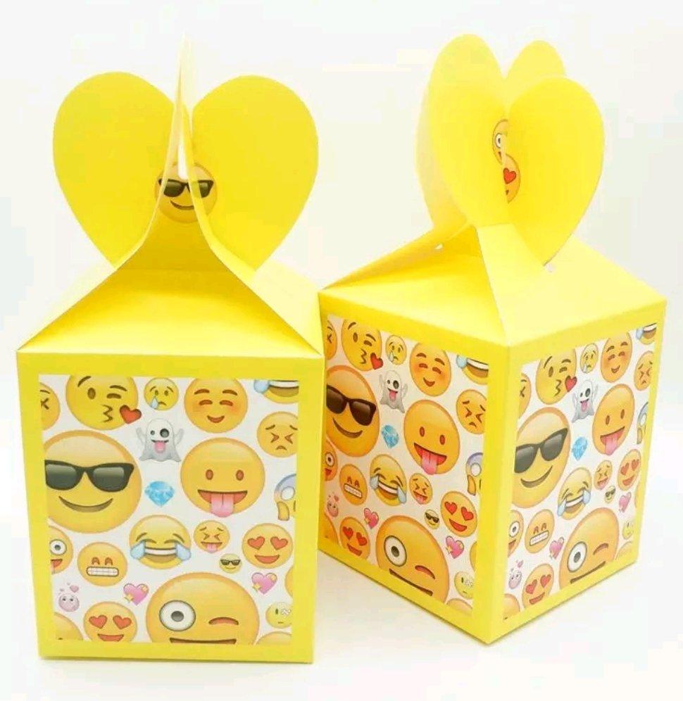 10 Scatoline Faccine Emoticons Regalo porta Gadgets confetti Caramelle