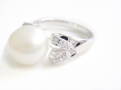 Large 11 1/2 mm South Sea Pearl and Diamond 18kt White Gold Ring